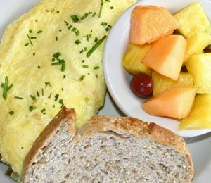 omlette-fruit-toast